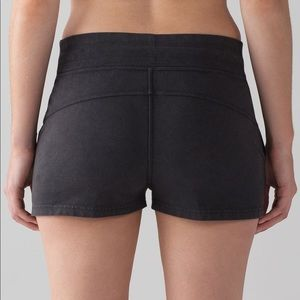 Lululemon shorts never worn size 6